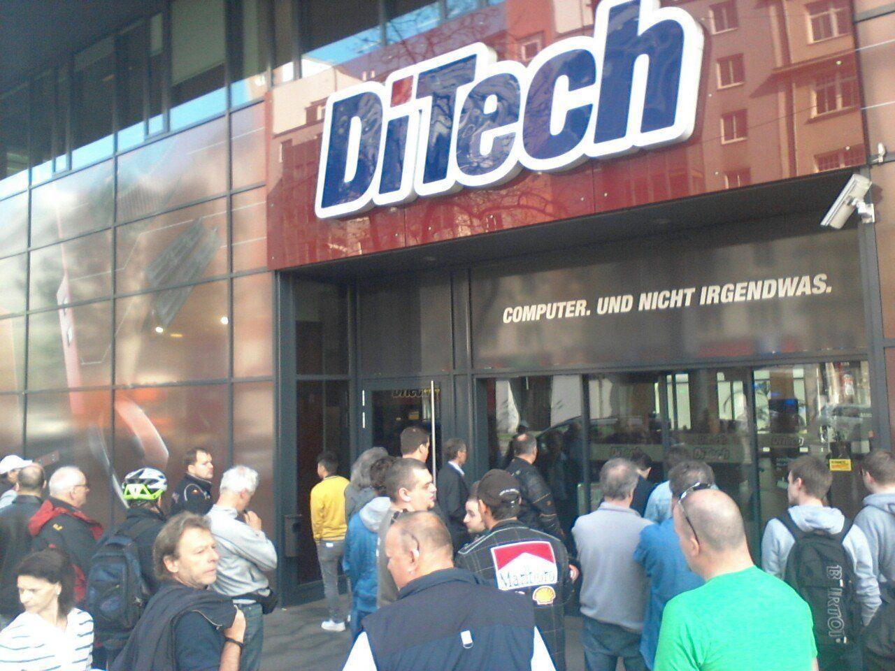 Kunden hoffen auf Abverkaufs-Schnäppchen bei DiTech.