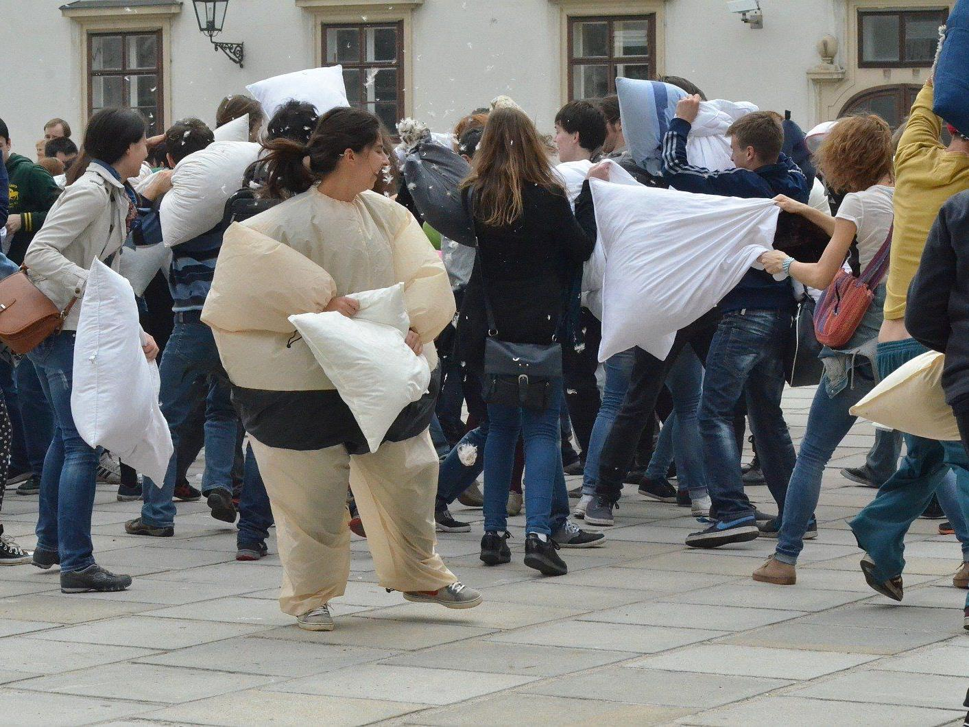 International Pillow Fight Day in Wien