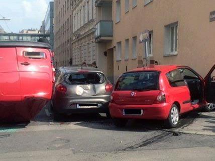 Mehrere Personen wurden bei dem Unfall am Donnerstag verletzt.
