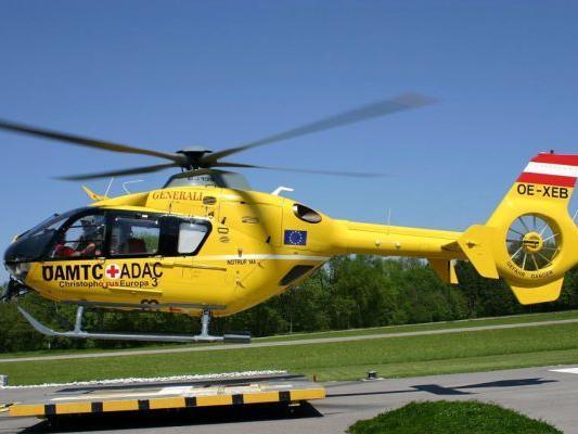 Frau wurde ins Krankenhaus geflogen