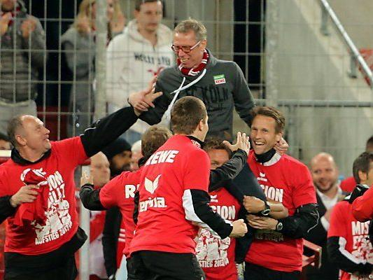 Trainer Peter Stöger feierte mit seinem Team