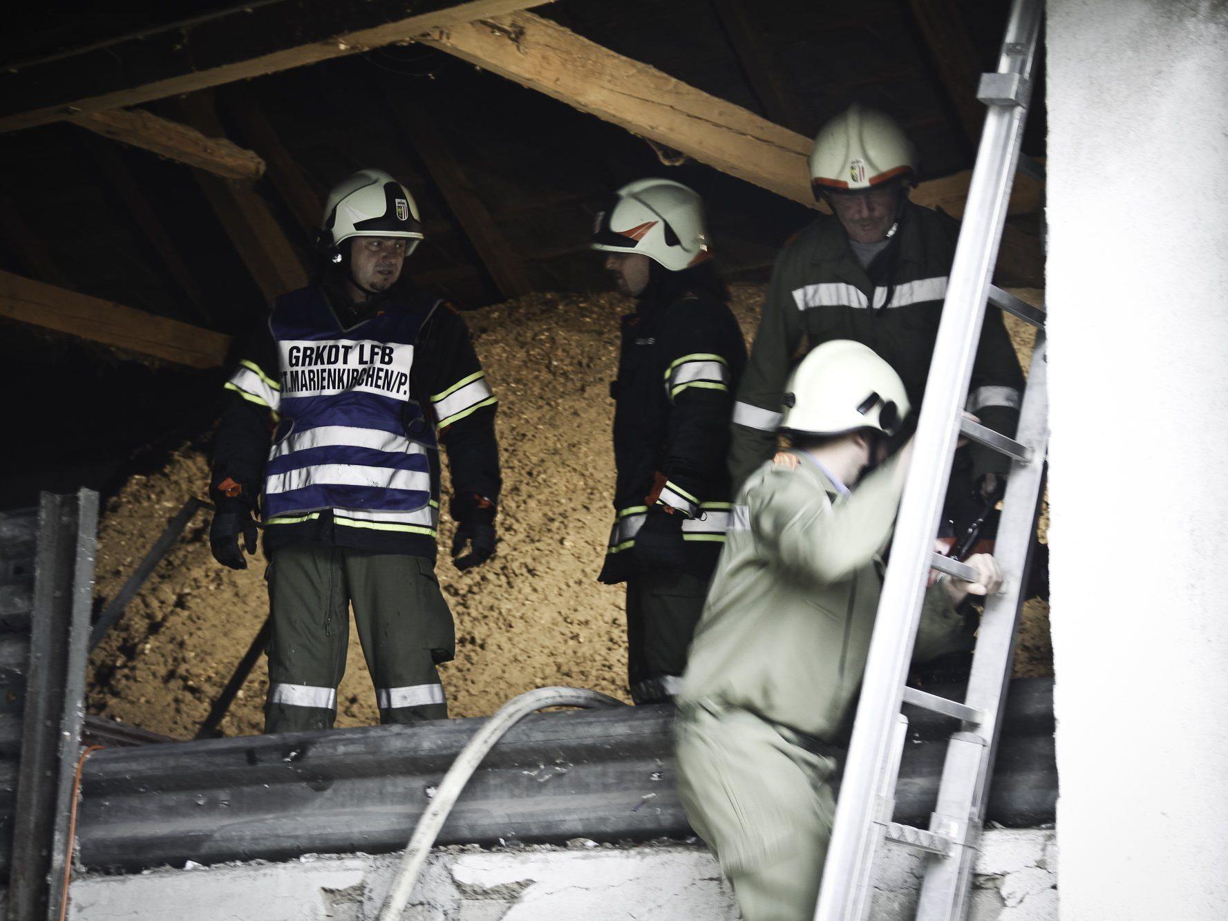 Bei einem Brand in St. Marienkirchen musste die Feuerwehr Alarmstufe zwei ausrufen