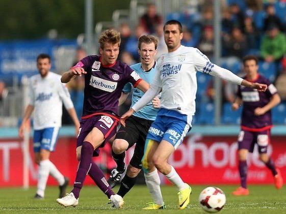 Tomas Jun (l./Austria) gegen Ione Agoney Jimenez Cabrera (r./Grödig)