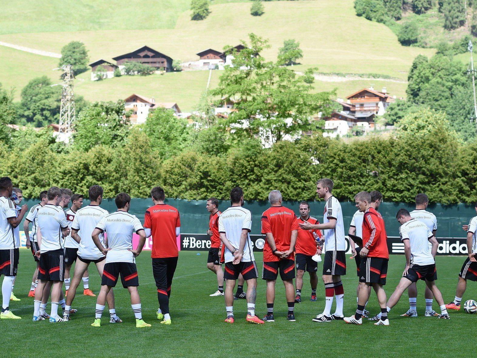Das deutsche Nationalteam hat ihr Trainingslager in Südtirol aufgeschlagen.