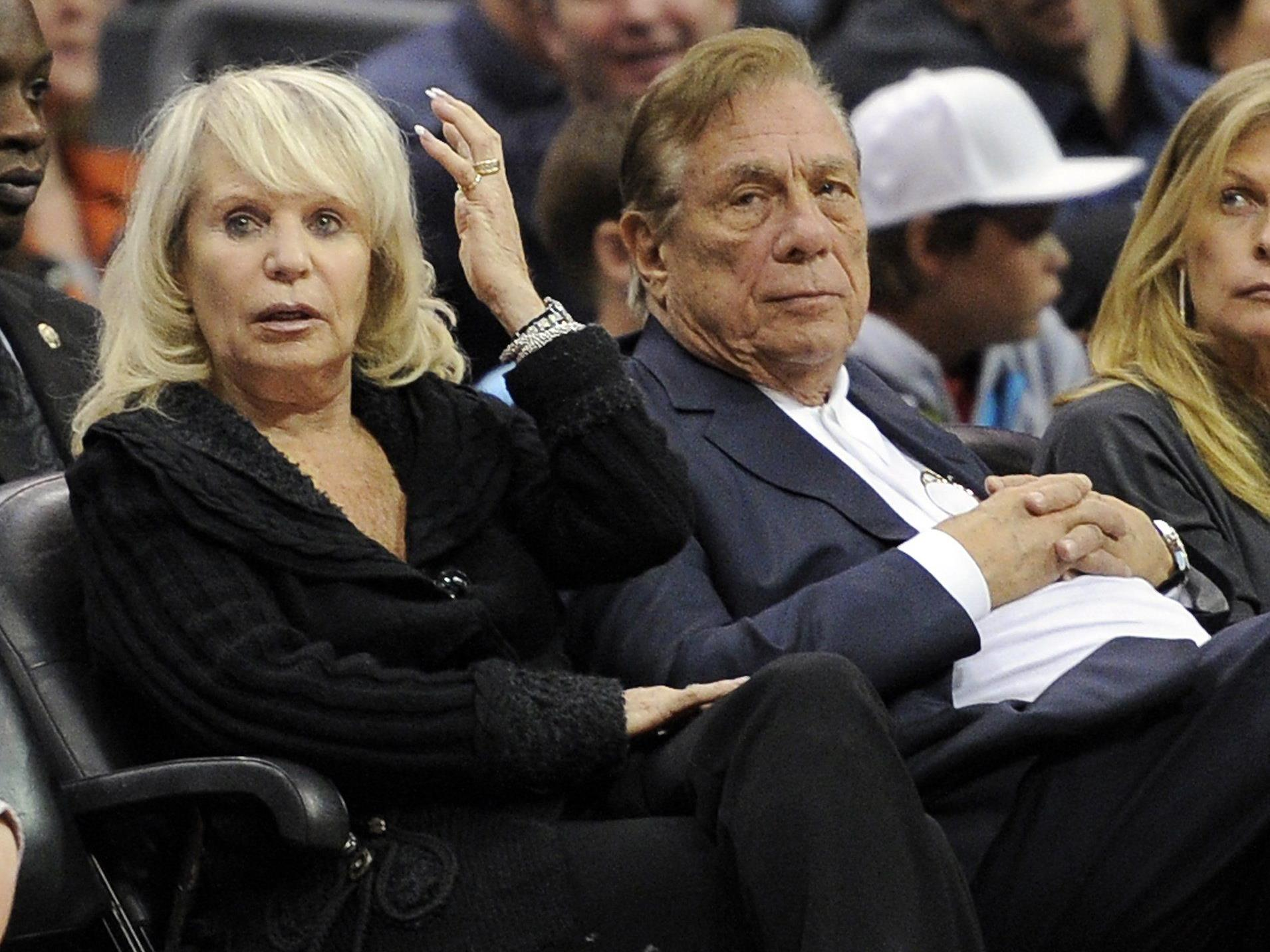 Donald Sterling, Besitzer der Los Angeles Clippers, mit seiner Frau Rochelle bei einem Spiel.