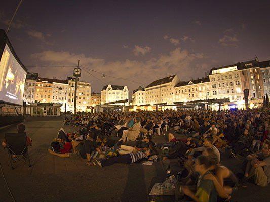 Einer der beliebtesten Volxkino-Spielorte: Der Karmelitermarkt in Wien