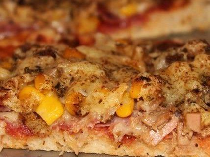 Selbstgemacht schmeckt's doch am Besten: Unser Rezept für Pizza della Casa.