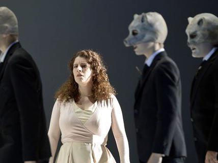 """Das Stück """"Blutshaus"""" wurde 2011 im Theater an der Wien uraufgeführt."""