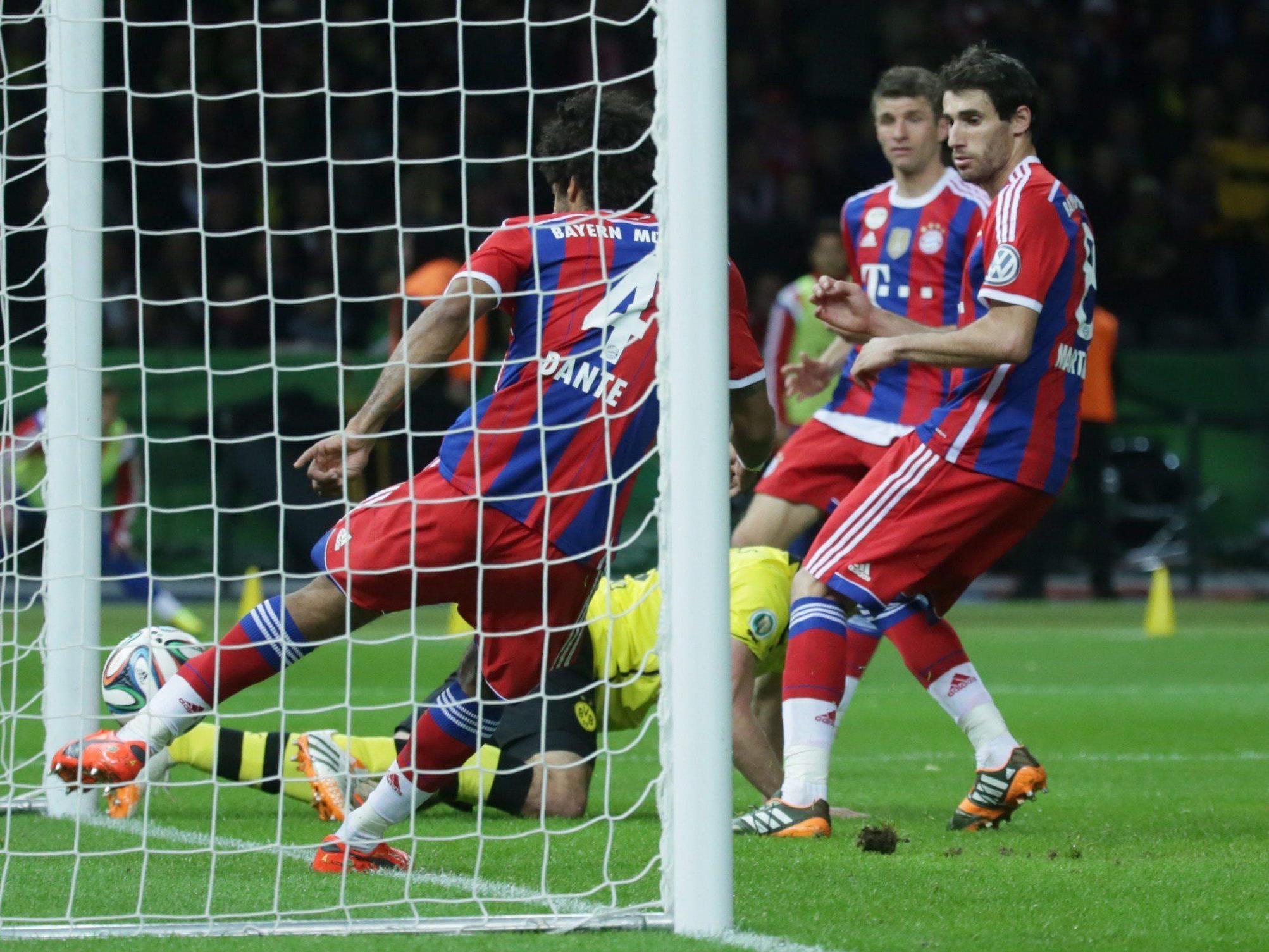 Die strittige Szene in der 64. Minute des DFB-Pokalfinales.