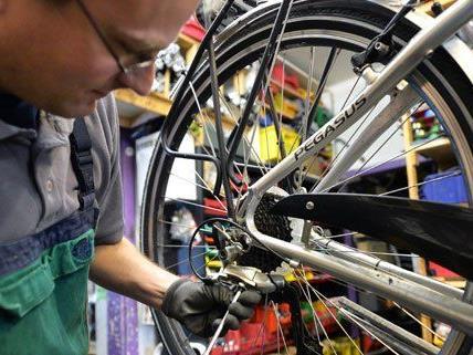 Nach der Winterpause sollte man sein Fahrrad durchchecken lassen.