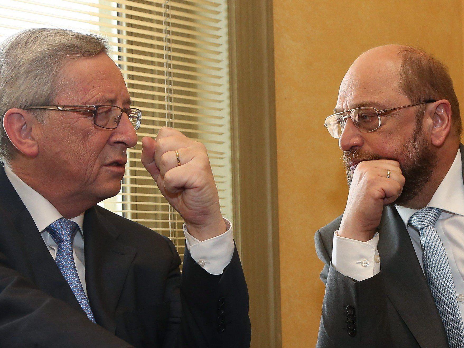 Mit Juncker und Schulz stehen sich zwei politische Schwergewichte gegenüber, wie sie unterschiedlicher nicht sein könnten..