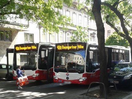 Nach dem Unfall auf der Koppstraße kam es auch bei den Bussen zu Verzögerungen.