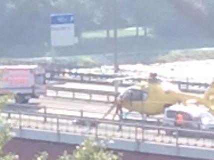 Auf der Brigittenauer Brücke ist es am Montag zu einem Motorradunfall gekommen.
