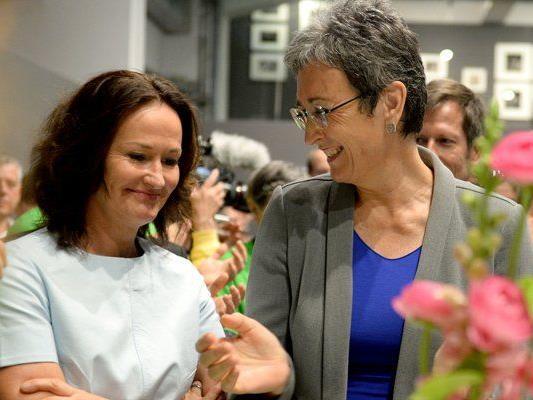 Ulrike Lunacek (rechts) ist die Spitzenkandidatin der Grünen für die EU-Wahl 2014.