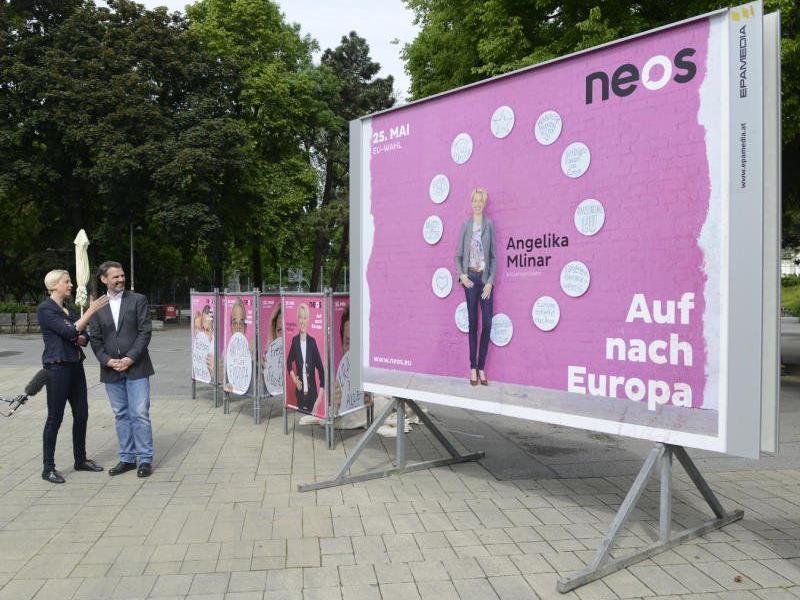 Im Bild: NEOS-Spitzenkandidatin Angelika Mlinar und Bundesgeschäftsführer Feri Thierry.