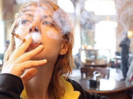 Die Ärztekammer fordert eine höhere Tabaksteuer.
