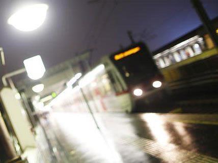 Die Beamten wurden bei der U6-Station auf den Mann aufmerksam.