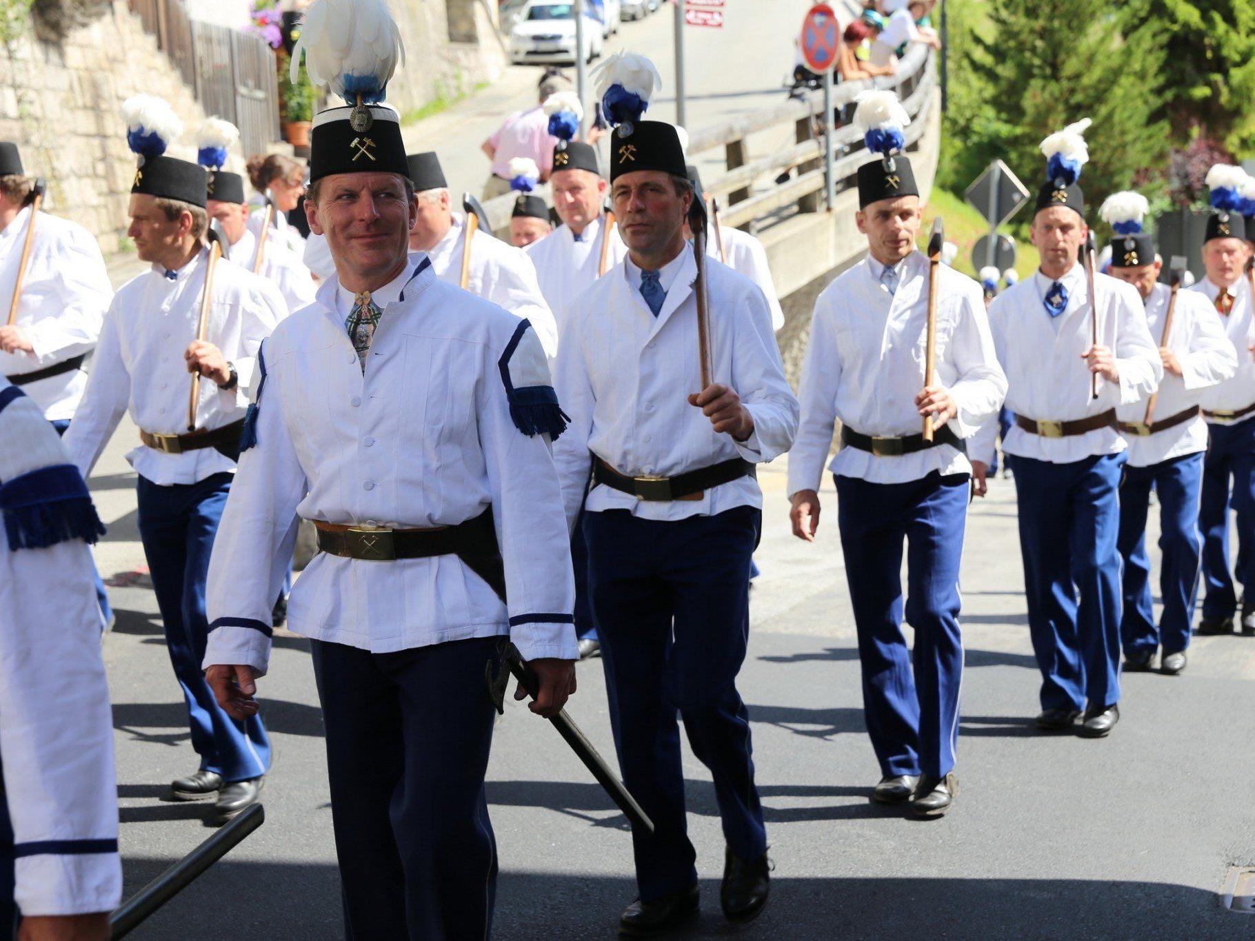 Der tradionelle Festumzug der Bergleute findet einmal jährlich in Berchtesgaden statt.