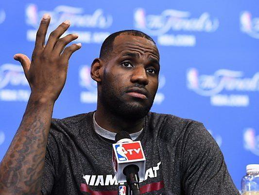 Wer bietet mehr? LeBron James auf Vereinssuche