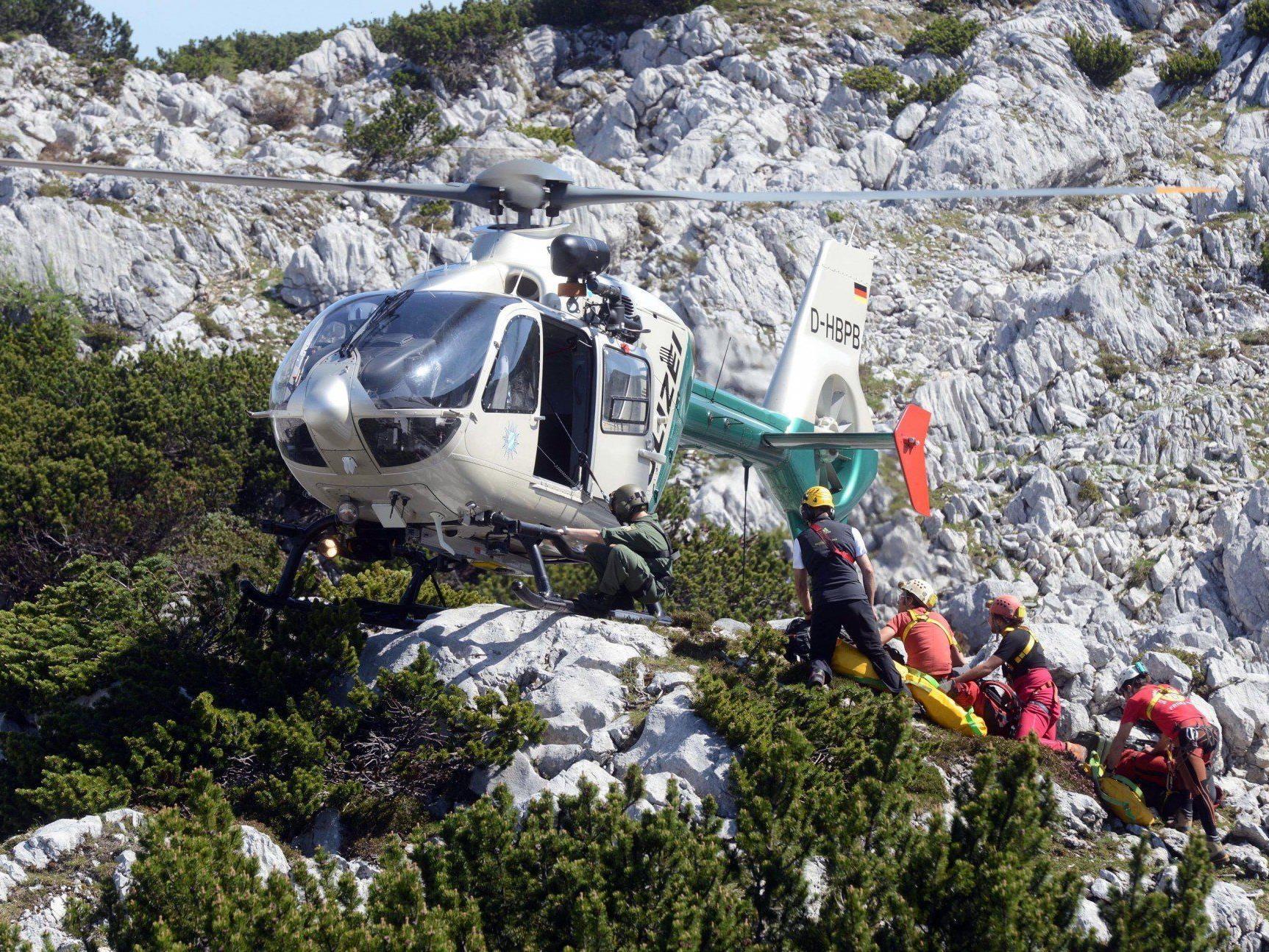 Am Untersberg sind zahlreiche Rettungskräfte im Einsatz.