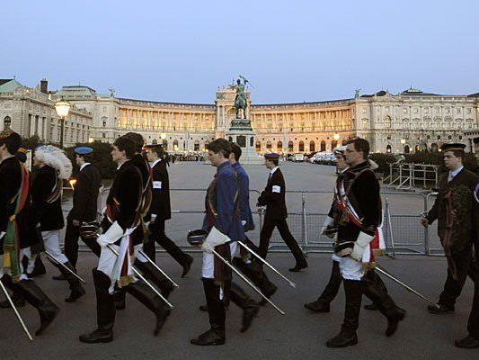 Wenn in Wien die Burschenschafter aufmarschieren, regen sich Gegenstimmen