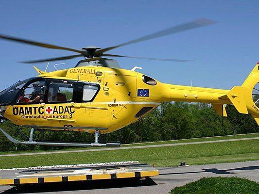 Der Notarzthubschrauber flog den Verletzten ins Wiener AKH