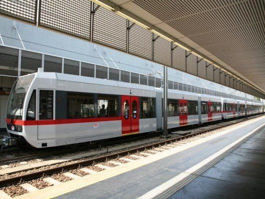 Ein Zug der Linie U6 sprang aus den Gleisen
