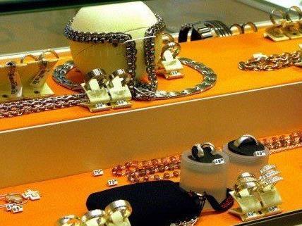 Misslungener Überfall auf Juwelier.