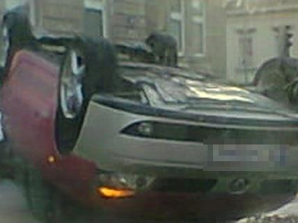 Schwerer Sachschaden ist bei dem Unfall am Donnerstag entstanden.