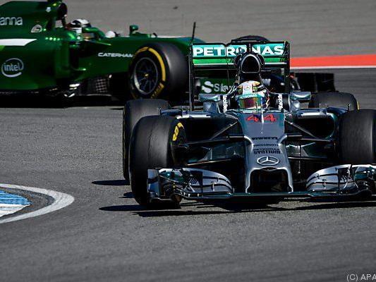 Hamilton vorerst schneller als Rosberg
