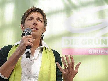 Die Salzburger Landesrätin Astrid Rössler tauschte sich mit dem bayerischen Landrat Georg Grabner aus.