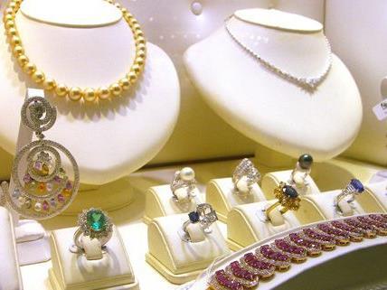 Ein Juwelier in Baden wäre fast zum Opfer von Trickdieben geworden
