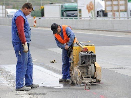 Die Vorarbeiten für die Sanierung der Hochstraße in Inzersdorf sind fast abgeschlossen.