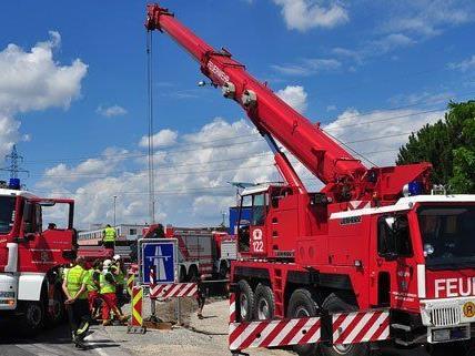 Die Feuerwehr musste in Niederösterreich am Dienstag zu einem Kraneinsatz ausrücken.