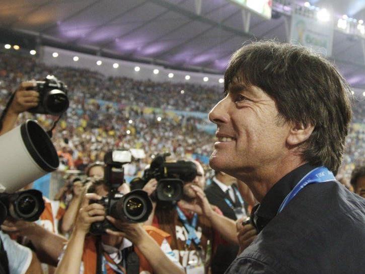 Der Weltmeister-Trainer bleibt
