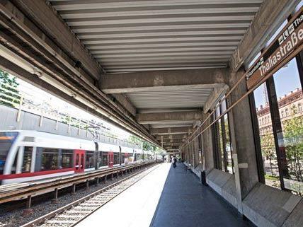 Handy-Raub bei der Station Thaliastraße.