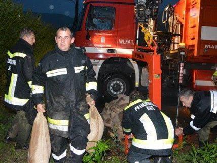 Unwetter in weiten Teilen des Landes: Feuerwehren sind im Einsatz