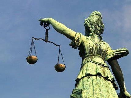 Prozess um terroristische Vereinigung am Landesgericht St. Pölten