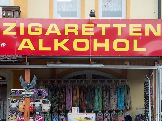 Tabak und Alkohol in großen Mengen kosten Jahre