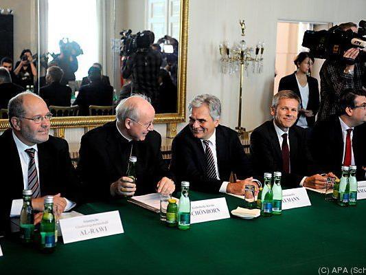 Kanzler mit Vertretern der Glaubensgemeinschaften