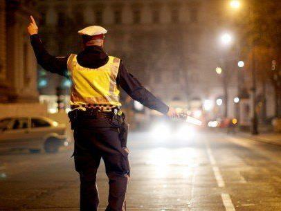 Alkolenker mit 3,6 Promille verletzte Polizisten in Wien