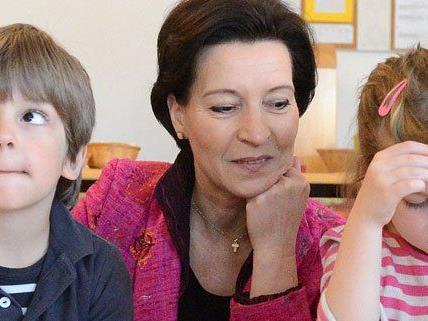 Heinisch-Hosek will Bewusstsein von Kindern für Gewalt schärfen