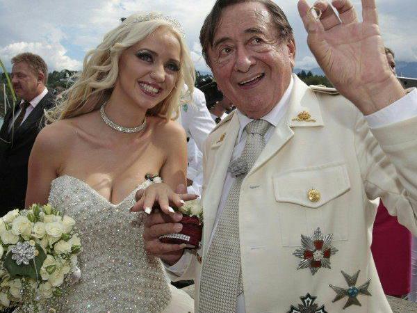 Lugner muss Hochzeits-Highlight neu planen