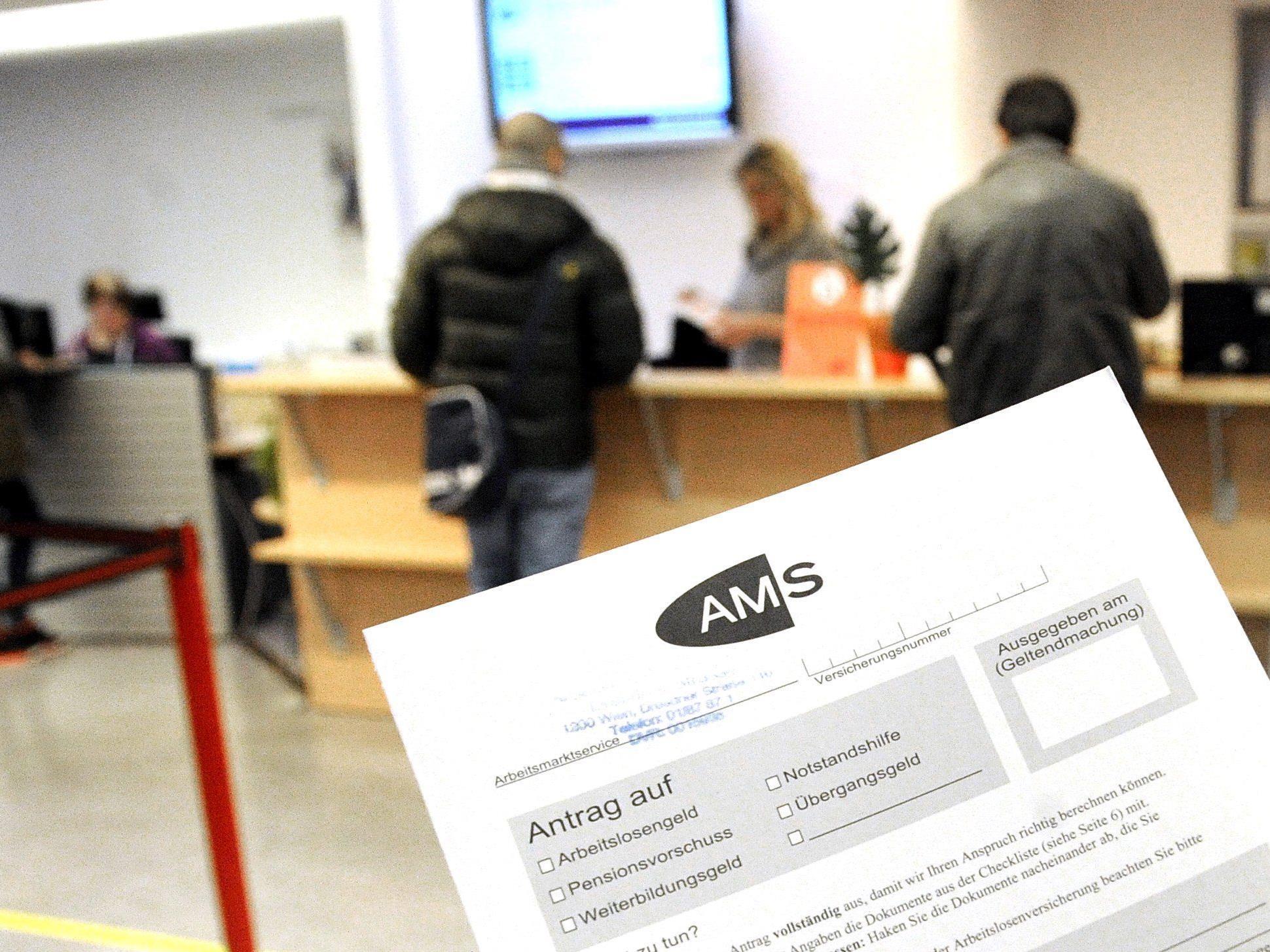 9,7 Prozent mehr Personen ohne Job - 11,6 Prozent mehr vorgemerkte Arbeitslose
