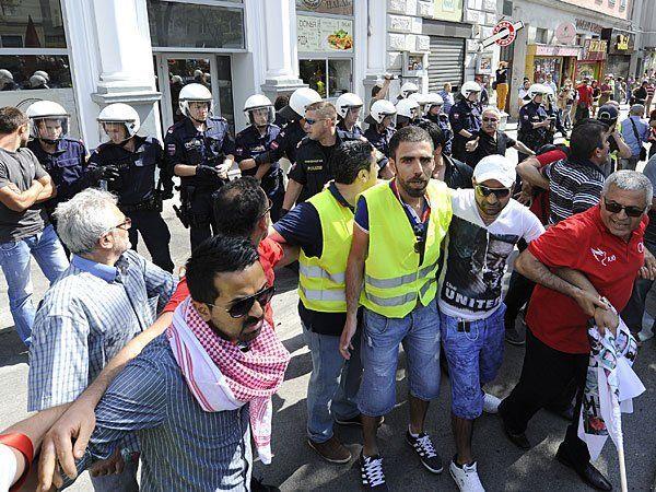 Bei der Erdogan-Demo in Wien