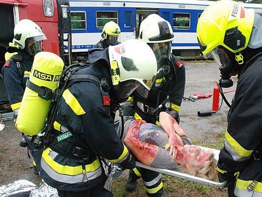 Kein echtes Blut: Der simulierte Einsatz der Feuerwehr