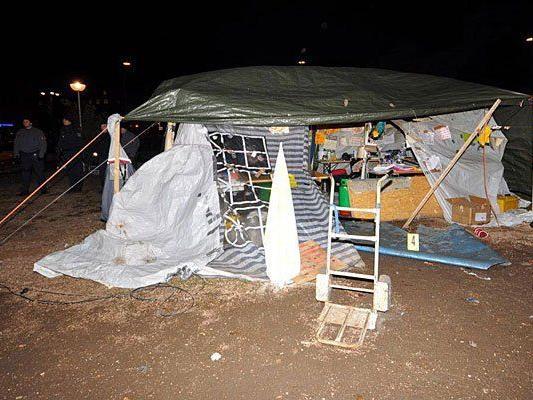Vor der Wiener Votivkirche schlugen Flüchtlinge 2012 selbst Zelte auf
