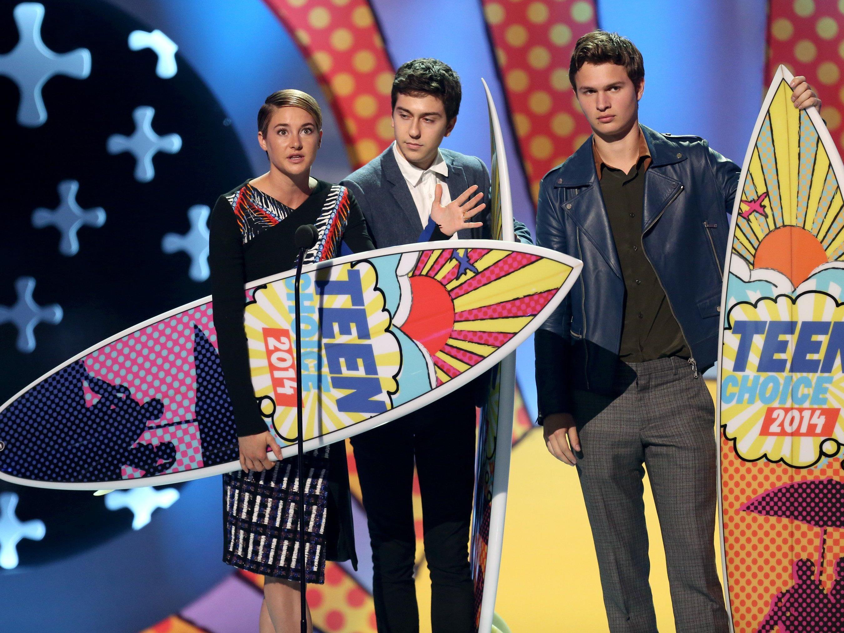 Shailene Woodley, Nat Wolff und Ansel Elgort räumten bei den Teen Choise Awards ab.