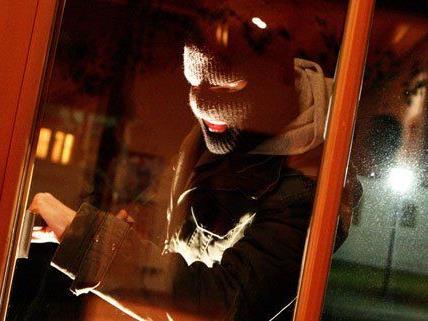 Zwei Verdächtige sollen mehr als 30 Einbrüche in Wien begangen haben.