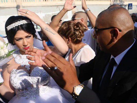 Eine konvertierte Jüdin heiratet einen Muslim und erregte damit Medienaufsehen